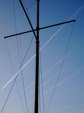 Mast am Victor-Hugo-Ufer am Winterhafen Mainz