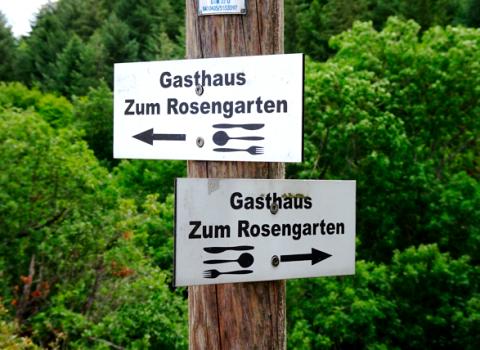 Wegweiser am Rheinsteig