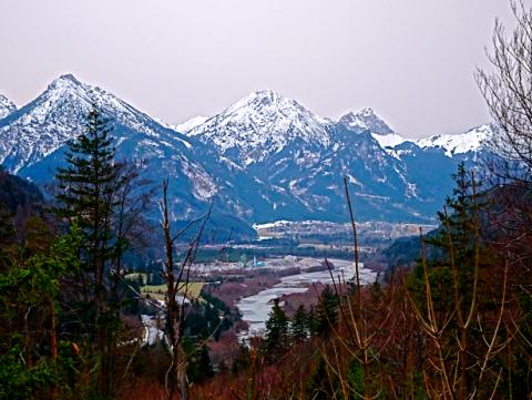 Blick ins Lechtal vom Füssener Kalvarienberg
