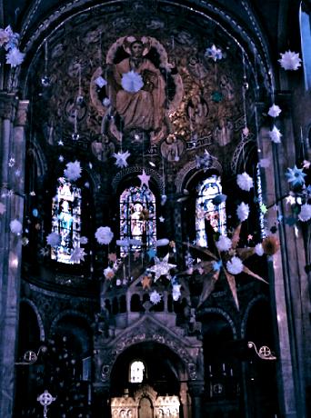 Weihnachtsdeko in St. Benno