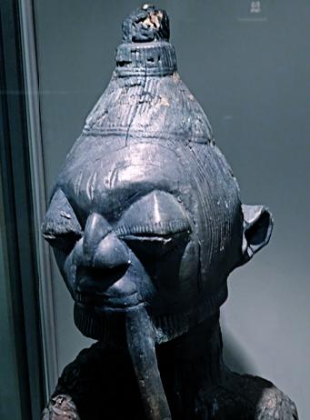 Eshu Statue im Museum Fünf Kontinente