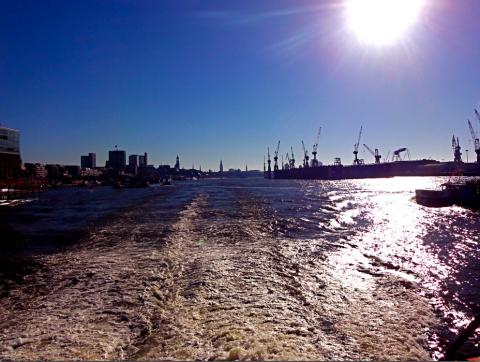 Hafenausfahrt Hamburg