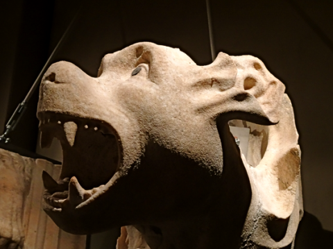 Im Dommuseum in Mailand