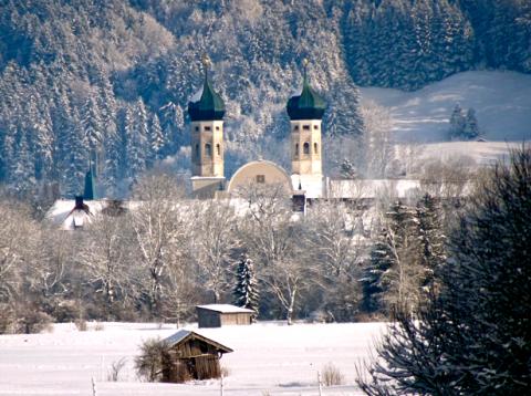 Blick auf das Kloster Benediktbeuern