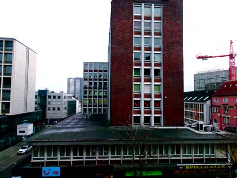 Blick vom Handelshof Richtung Essener Rathaus