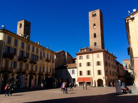 Alba Piazza Duomo
